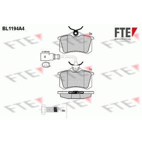 Bremsbelagsatz, Scheibenbremse Höhe: 52,9mm, Dicke/Stärke: 17,2mm mit OEM-Nummer 8D0 698 451B