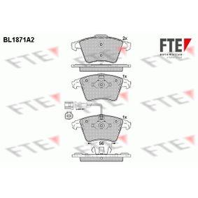Brake Pad Set, disc brake Width 2 [mm]: 156,3mm, Width: 155,1mm, Height 2: 75mm, Height: 73,3mm, Thickness 2: 17,7mm, Thickness: 18,2mm with OEM Number 7L6698151F