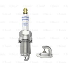 Spark Plug Electrode Gap: 0,7mm with OEM Number 99917010390