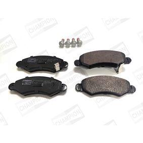 Bremsbelagsatz, Scheibenbremse Breite: 43mm, Dicke/Stärke: 15,7mm mit OEM-Nummer 55810 84E01 000