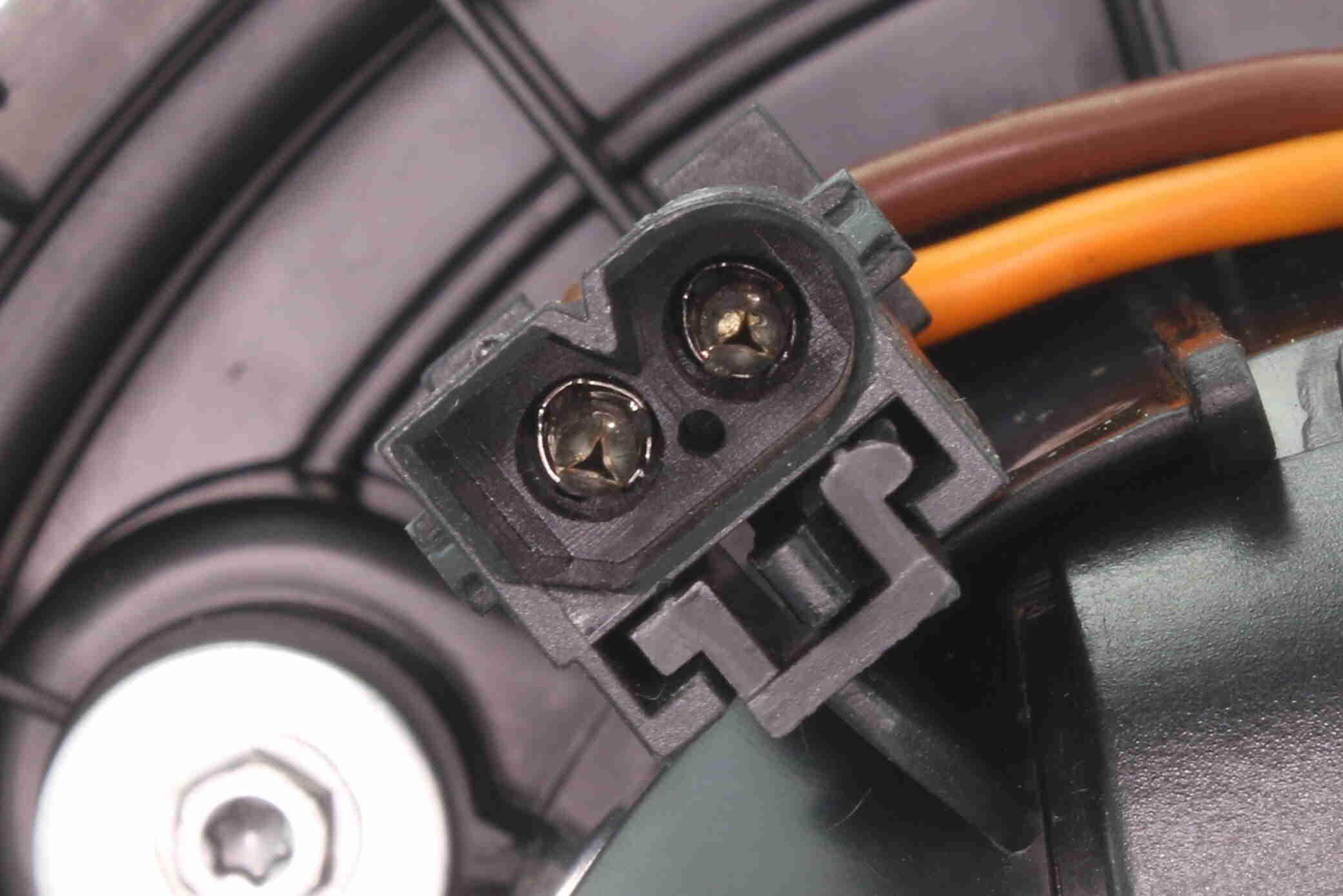 Gebläsemotor VEMO V20-03-1153 Bewertung