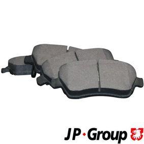 Brake Pad Set, disc brake Thickness: 17,3mm with OEM Number 55810 62J 31