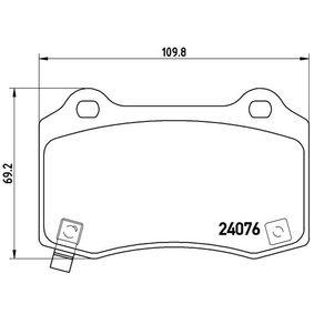 Bremsbelagsatz, Scheibenbremse Breite: 109,8mm, Höhe: 69,2mm, Dicke/Stärke: 14,8mm mit OEM-Nummer 68003610-AA