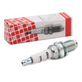 Spark Plug Electrode Gap: 0,8mm with OEM Number 12 12 0 032 136