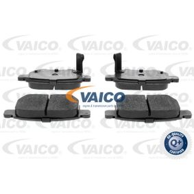 Brake Pad Set, disc brake Article № V70-0085 £ 140,00