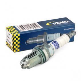 Spark Plug Electrode Gap: 0,8mm with OEM Number 101 905 615 A
