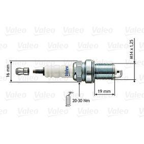 Spark Plug Electrode Gap: 0,8mm with OEM Number 7700 500 180
