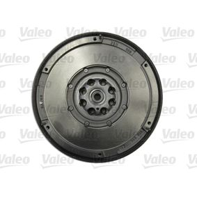 Dual mass flywheel with OEM Number A 646 030 08 05
