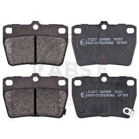 Brake Pad Set, disc brake 37227 RAV 4 II (CLA2_, XA2_, ZCA2_, ACA2_) 2.4 4WD MY 2005