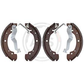 Bremsbackensatz Breite: 55mm mit OEM-Nummer 701609531E