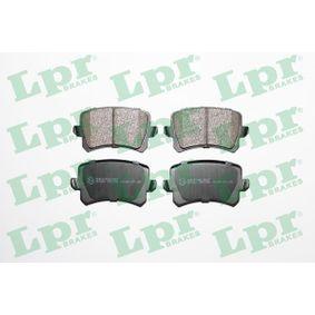 LPR Zestaw klocków hamulcowych, hamulce tarczowe 05P1390 z OEM Numer 3C0698451F