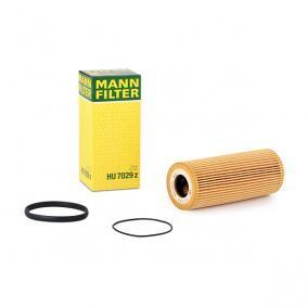MANN-FILTER Ölfilter HU 7029 z für AUDI A4 Cabriolet (8H7, B6, 8HE, B7) 3.2 FSI ab Baujahr 01.2006, 255 PS