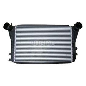 Ladeluftkühler für VW TOURAN (1T1, 1T2) 1.9 TDI 105 PS ab Baujahr 08.2003 BUGIAD Ladeluftkühler (BSP23447) für