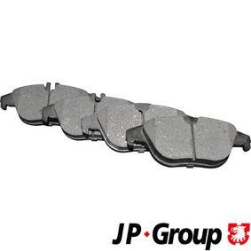 2012 Mercedes W204 C 200 CDI 2.2 (204.001) Brake Pad Set, disc brake 1363702310