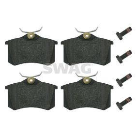 Bremsbelagsatz, Scheibenbremse Breite: 52,9mm, Dicke/Stärke 1: 17mm mit OEM-Nummer 4B0698451A