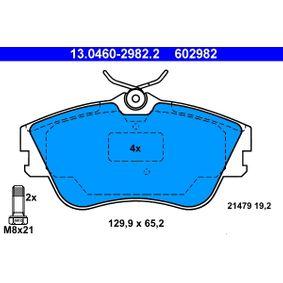 Motorhalter für VW TRANSPORTER IV Bus (70XB, 70XC, 7DB, 7DW) 2.5 TDI 102 PS ab Baujahr 09.1995 ATE Bremsbelagsatz, Scheibenbremse (13.0460-2982.2) für