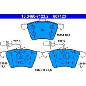 Motorhalter für VW TRANSPORTER IV Bus (70XB, 70XC, 7DB, 7DW) 2.5 TDI 102 PS ab Baujahr 09.1995 ATE Bremsbelagsatz, Scheibenbremse (13.0460-7123.2) für