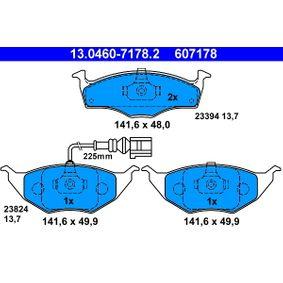Bremsbelagsatz, Scheibenbremse Breite: 141,6mm, Höhe 1: 48,0mm, Höhe 2: 49,9mm, Dicke/Stärke: 13,7mm mit OEM-Nummer 8Z0 698 151