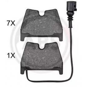 Brake Pad Set, disc brake Width 1: 97mm, Height 1: 74,4mm, Thickness 1: 16,7mm with OEM Number 8U0 698 151J