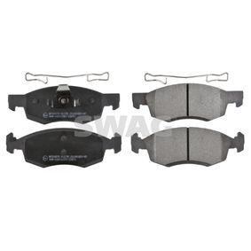 Bremsbelagsatz, Scheibenbremse Breite: 52,5mm, Dicke/Stärke 1: 17,4mm mit OEM-Nummer 41060-00Q0C