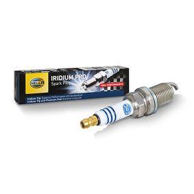 HELLA Запалителна свещ 55564763 за OPEL, CHEVROLET, DAEWOO, SAAB, CADILLAC купете