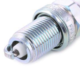 271603 за VOLVO, Запалителна свещ NGK (6962) Онлайн магазин