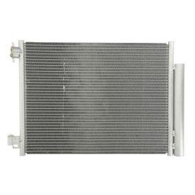 Kondensator, Klimaanlage THERMOTEC Art.No - KTT110517 OEM: 921006454R für RENAULT, NISSAN, CITROЁN, VOLVO, SMART kaufen