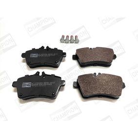 Bremsbelagsatz, Scheibenbremse CHAMPION Art.No - 573226CH OEM: 1694202120 für MERCEDES-BENZ kaufen