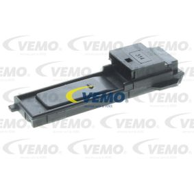 Switch, clutch control (cruise control) VEMO Art.No - V20-73-0150 OEM: 6905900 for BMW, MINI buy