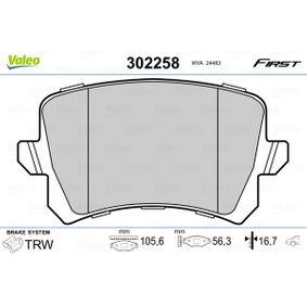 Bremsbelagsatz, Scheibenbremse VALEO Art.No - 302258 OEM: 5N0698451 für VW, AUDI, SKODA, SEAT, PORSCHE kaufen