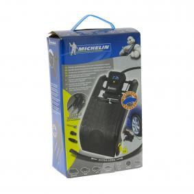 Michelin Foot pump 009517 on offer