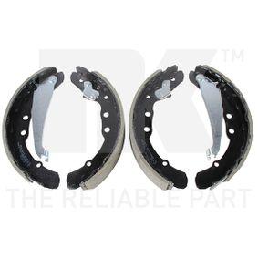 Bremsbackensatz NK Art.No - 2747530 OEM: 321698545 für VW, AUDI, SKODA, SEAT, VOLVO kaufen