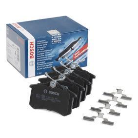 Bremsbelagsatz, Scheibenbremse BOSCH Art.No - 0 986 494 597 OEM: 7701206784 für VW, AUDI, FORD, RENAULT, PEUGEOT kaufen