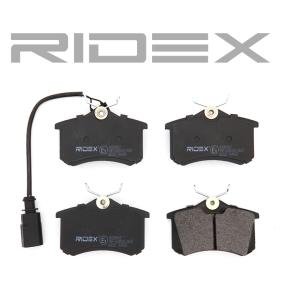 RIDEX 402B0067 Bremsbelagsatz, Scheibenbremse OEM - 1343513 FORD, SEAT, VW, Motorcraft, RENAULT TRUCKS, SATURN, A.B.S., DT Spare Parts, COMLINE günstig