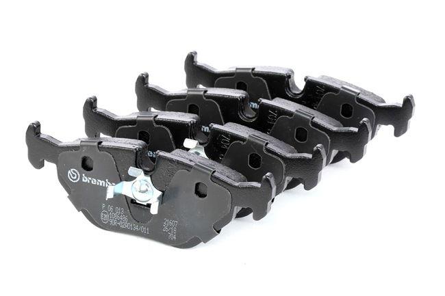 Bremsbelagsatz, Scheibenbremse Breite: 123mm, Höhe: 43,7mm, Dicke/Stärke: 17,3mm mit OEM-Nummer 34212157621