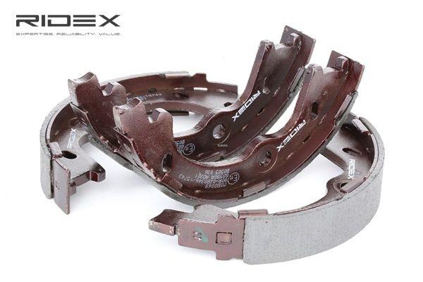 Frenos de tambor RIDEX 8098080 Eje trasero, Ø: 167mm, sin palanca