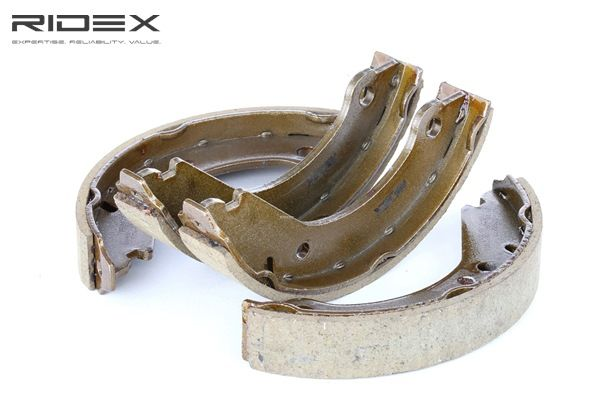 RIDEX 70B0077 Brake shoes and drums