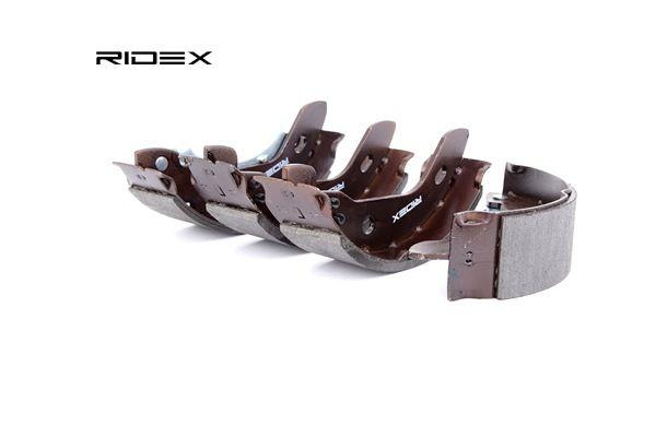 RIDEX Kit de frenos de tambor MERCEDES-BENZ Eje trasero, Ø: 180mm, con palanca