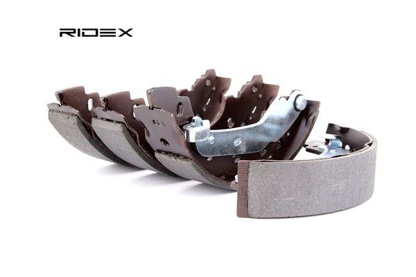 Trommelbremsen RIDEX 8098267 Hinterachse, Ø: 203mm, mit Hebel