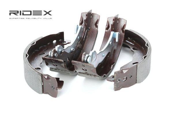 Frenos de tambor RIDEX 8098319 Eje trasero, Ø: 203mm, con palanca freno de mano
